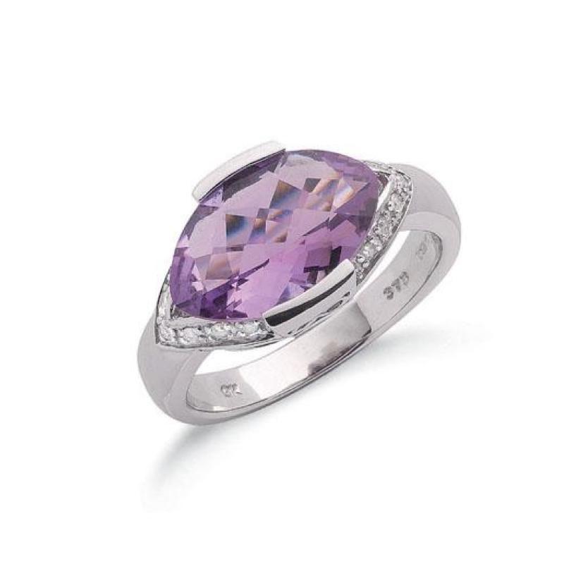 9ct white gold Diamond & Amethyst ring