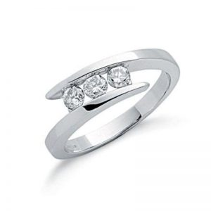9ct white gold diamond trilogy ring