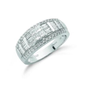 18ct white gold princess & baguette cut diamond ring.