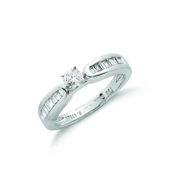 18ct white gold diamond & baguette dress ring