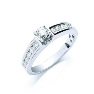 18ct white gold Diamond dress ring with Diamond set shoulders