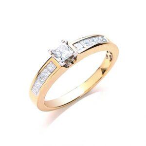 18ct gold Princess cut diamond ring