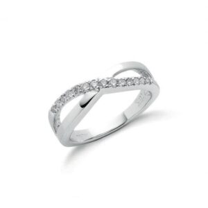 18ct white gold diamond dress ring